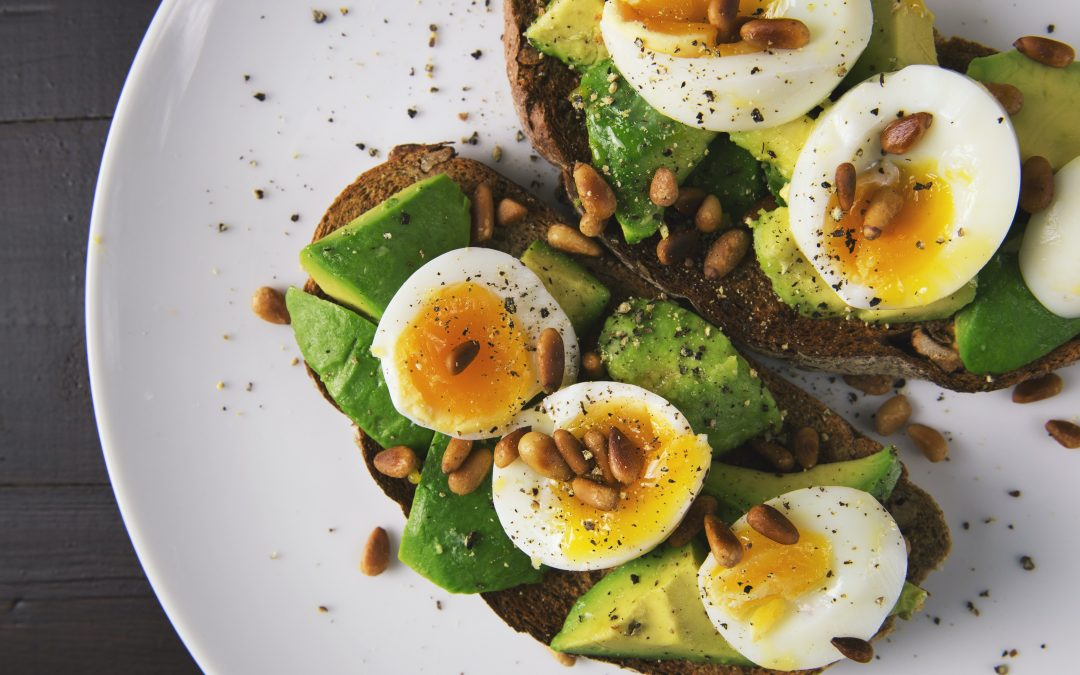 Top Snack Tips from Fitness Gurus